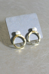 Pearl Gold Solitaire Ring Stud Earrings from kellinsilver.com