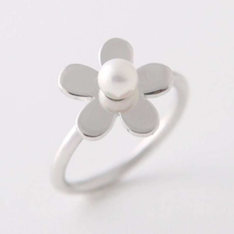 Pearl Flower Daisy Ring Sterling Silver from kellinsilver.com
