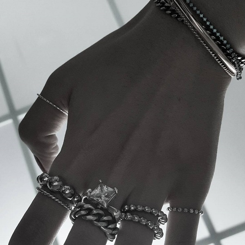 Sterling Silver Cutting Ball Chain Ring White Gold from kellinsilver.com