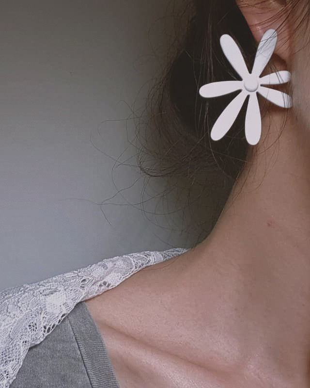 Matte White Daisy Stud Earrings from kellinsilver.com