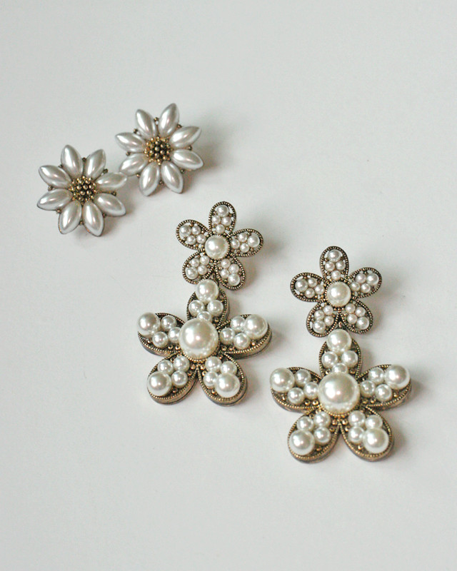 Antique Gold Pearl Daisy Earrings Stud from kellinsilver.com