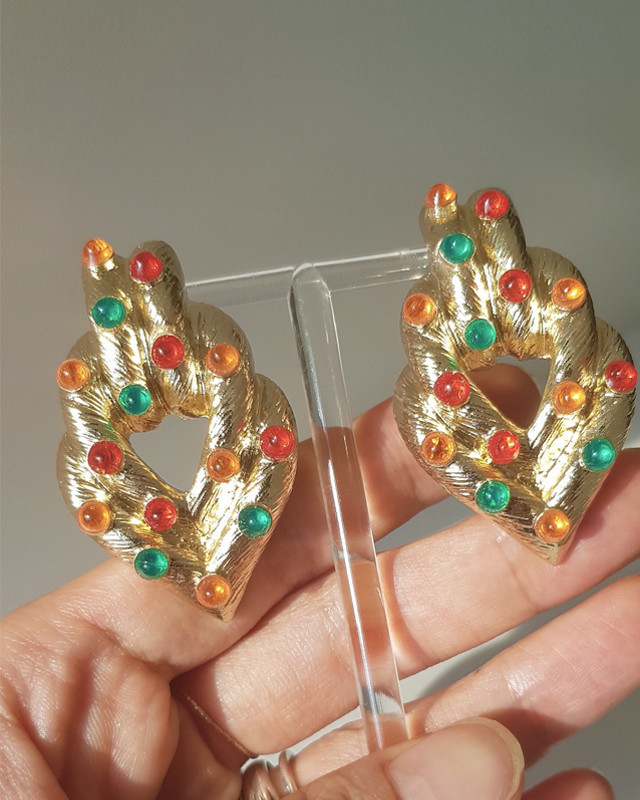 Color Stone Vintage Heart Earrings from kellinsilver.com