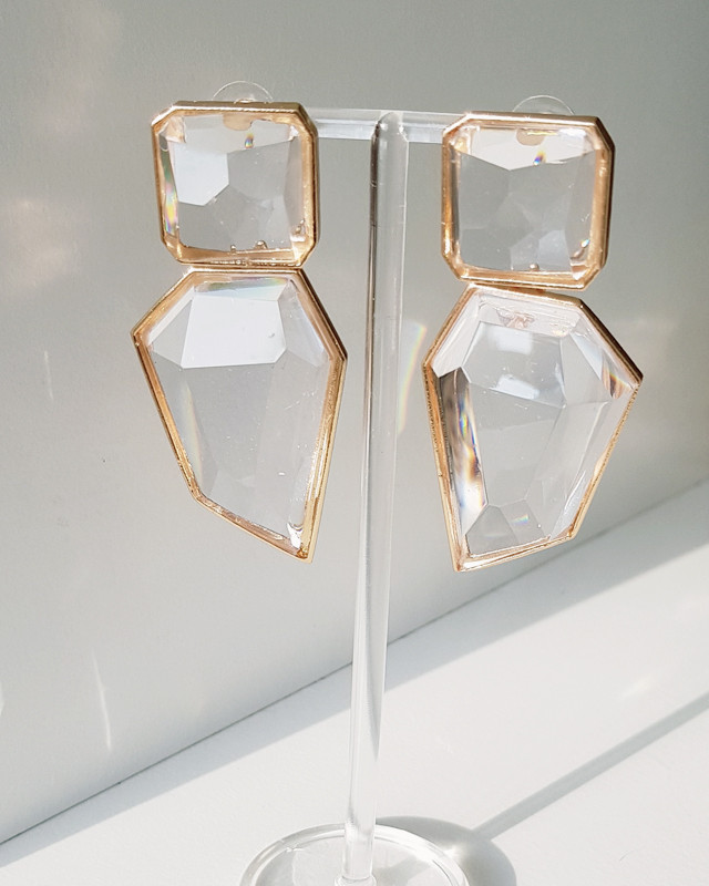 Clear Ice Drop Earrings from kellinsilver.com