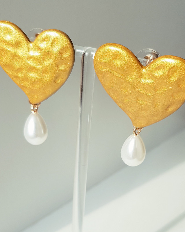 Elissa Heart Drop Earrings on kellinsilver.com