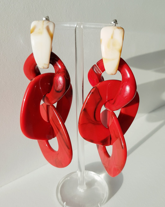 Cozette Acrylic Earrings in Red on kellinsilver.com