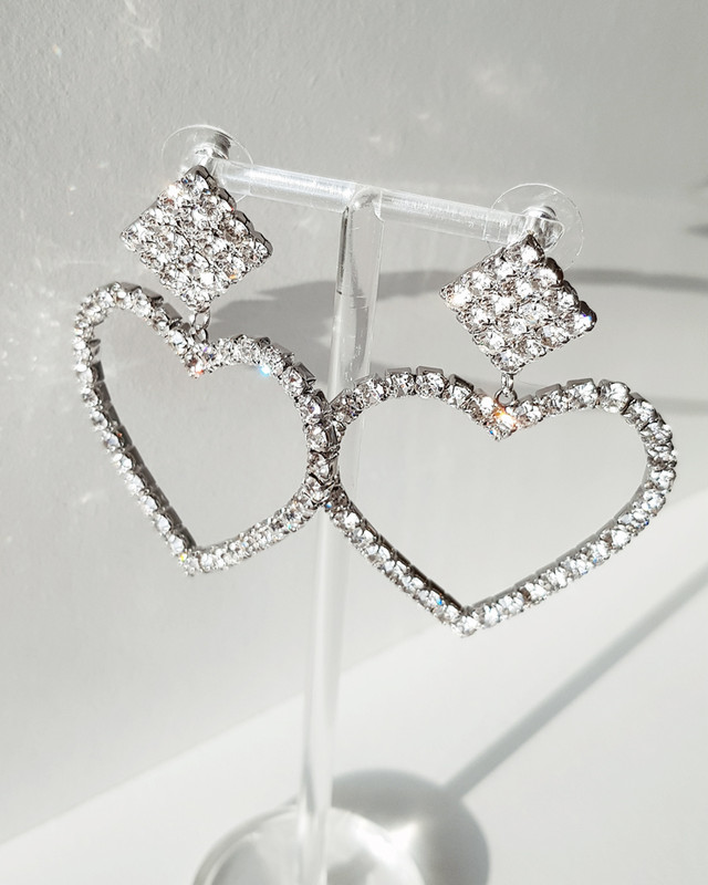 Lover Drama Rhinestone Heart Earrings on kellinsilver.com