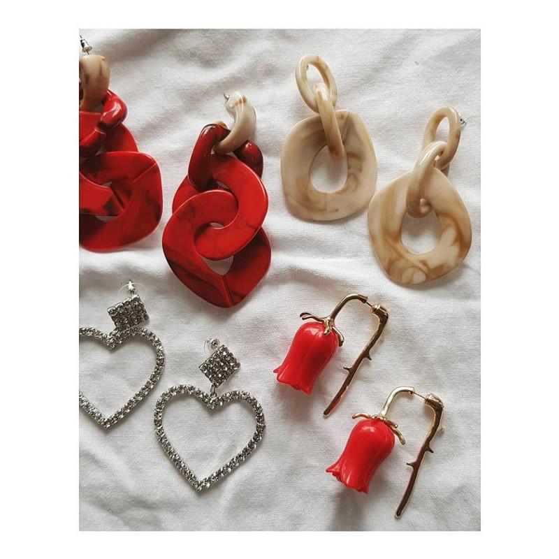Monet Resin Linked Earrings in Beige on kellinsilver.com