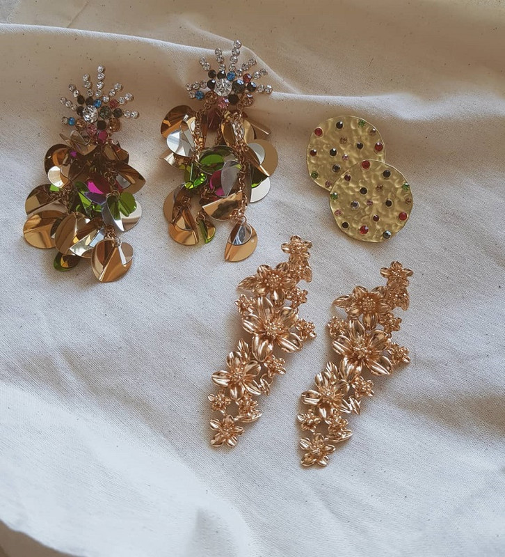 Dada Rhinestone Disc Earrings in Gold on kellinsilver.com
