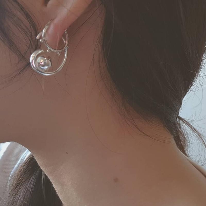 Mini Spoke Earrings in Sterling Silver on kellinsilver.com