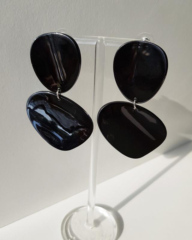 Acrylic Curved Drop Earrings in Black on kellinsilver.com
