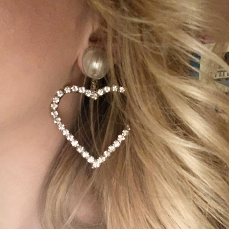 Lover Drama Pearl Heart Earrings on kellinsilver.com