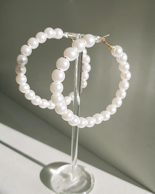 8mm Pearl Hoop Earrings on kellinsilver.com