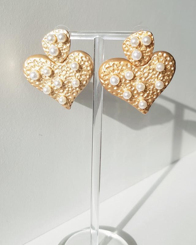 Leandra Heart Earrings on kellinsilver.com