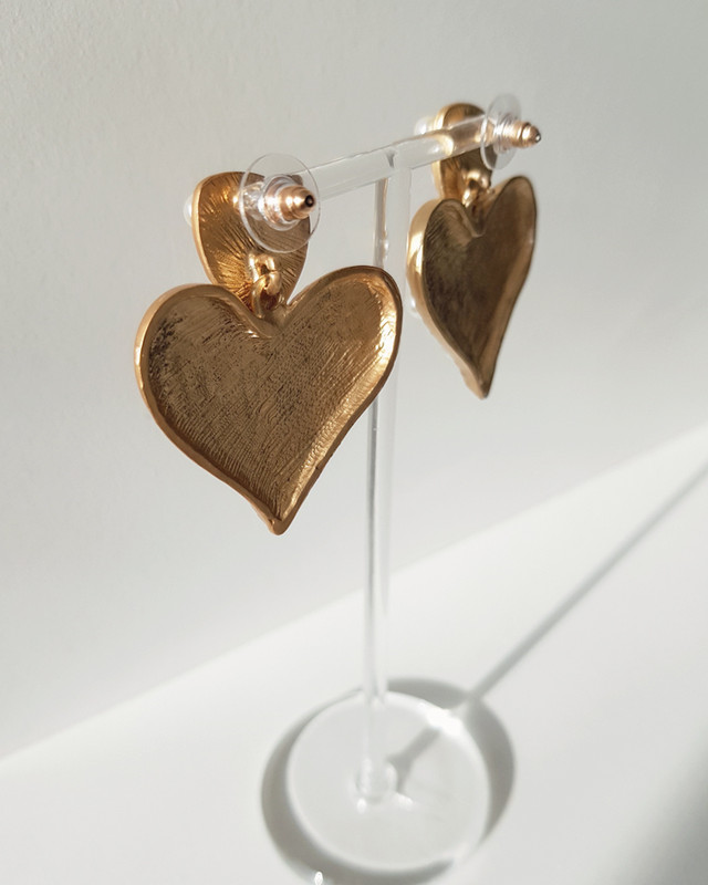 Leandra Heart Earrings on kellinsilver.com