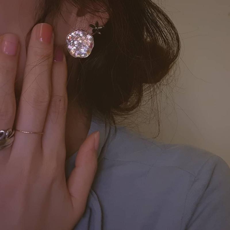 CZ Daisy Stud Earrings in Sterling Silver on kellinsilver.com