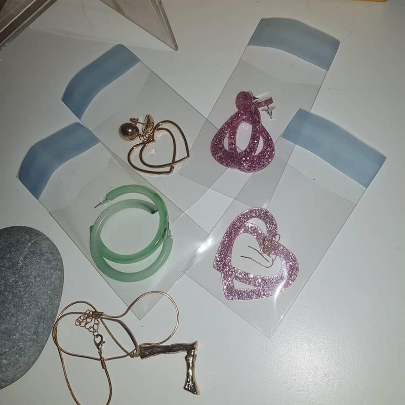 Pink Glitter Heart Earrings on kellinsilver.com