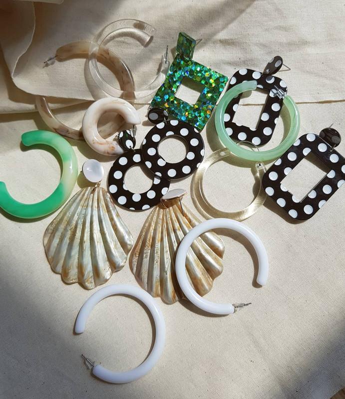 Retro Dot Earrings in Circle on kellinsilver.com