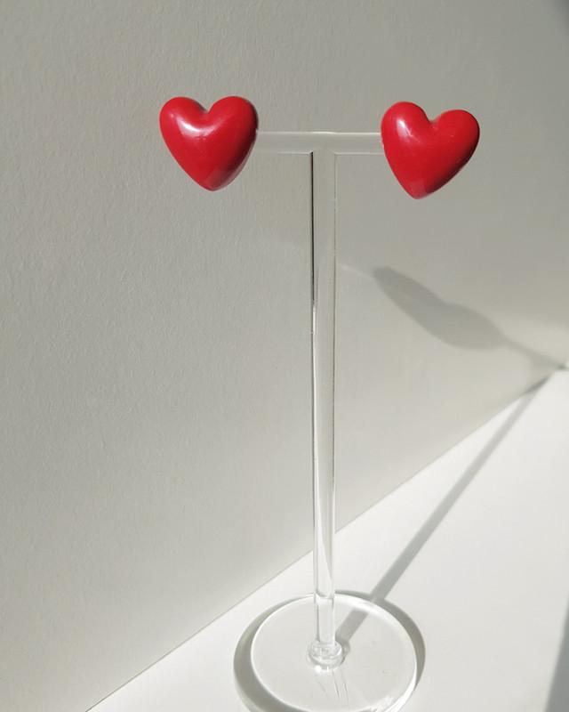 Red Heart Stud Earrings on kellinsilver.com