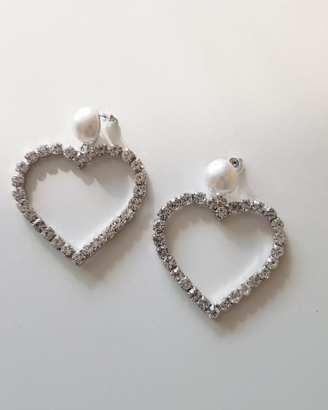 Oversize Lover Drama Pearl Heart Earrings on kellinsilver.com