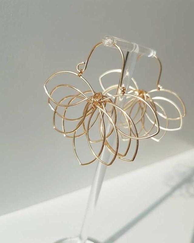 Gold Flower Silhouette Earrings on kellinsilver.com