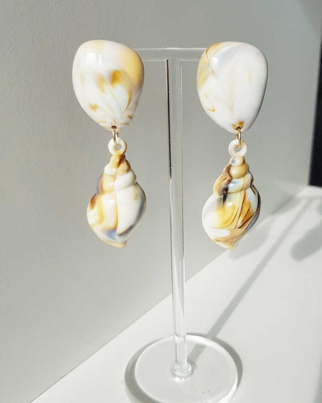 Resin Conch Shell Earrings on kellinsilver.com