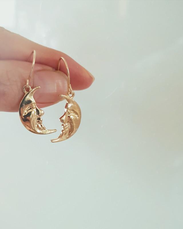 Gold Crescent Moon Face Earrings on kellinsilver.com