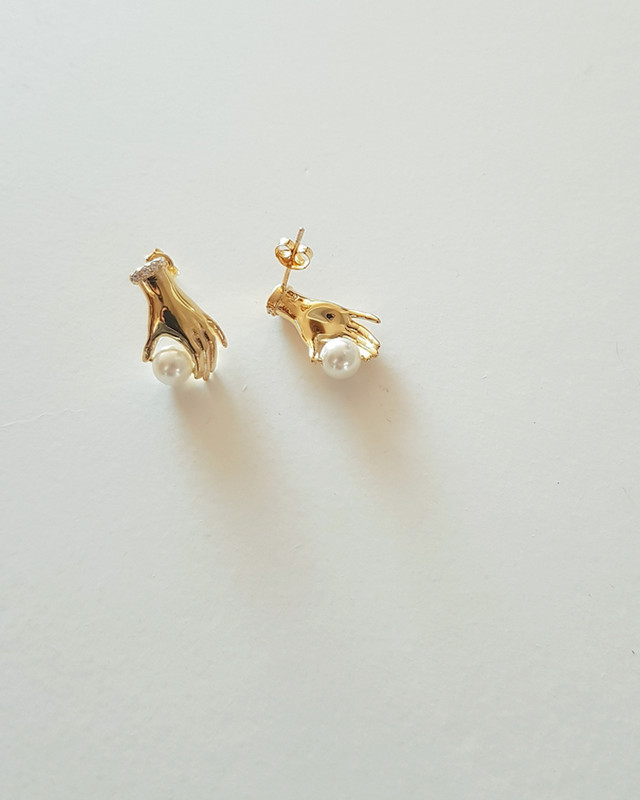 Vintage Hand Pearl Earrings in Sterling Silver  from kellinsilver.com