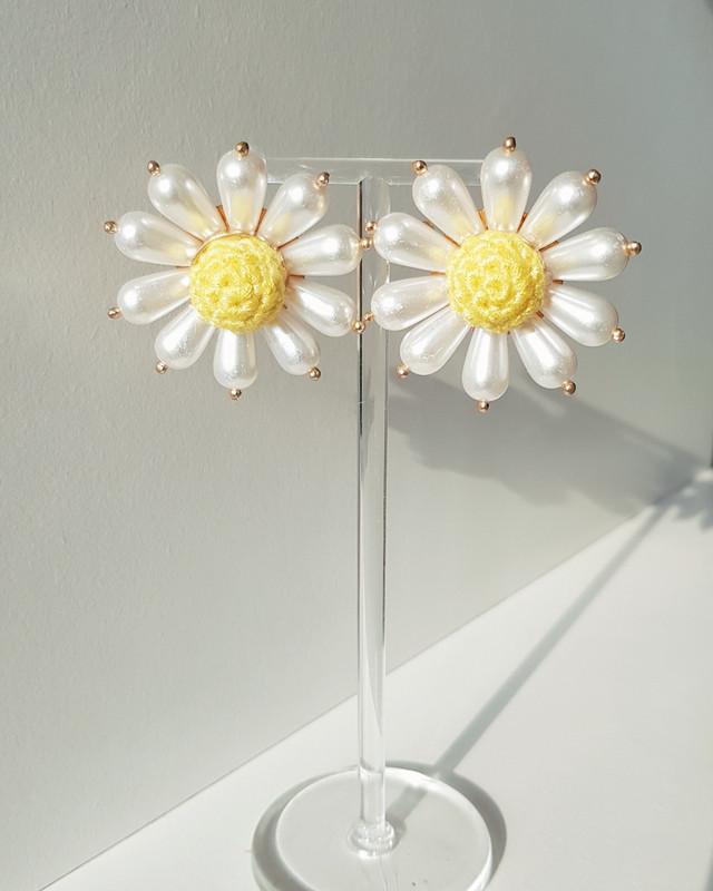 Vintage Pearl Daisy Earrings on kellinsilver.com