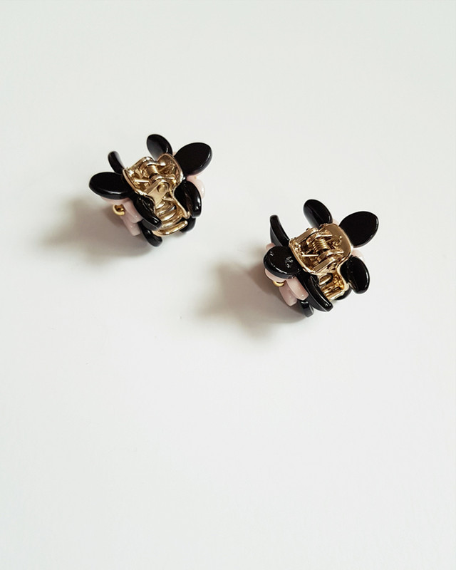 Double Daisy Mini Claw Set of 2 in Black on kellinsilver.com