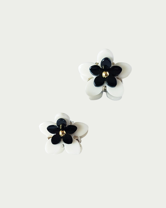 Double Daisy Mini Claw Set of 2 in Cream on kellinsilver.com