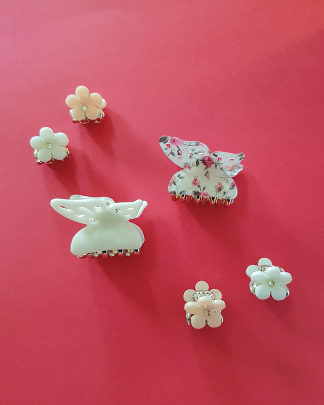Mini Daisy Hair Claws Set of 4  on kellinsilver.com