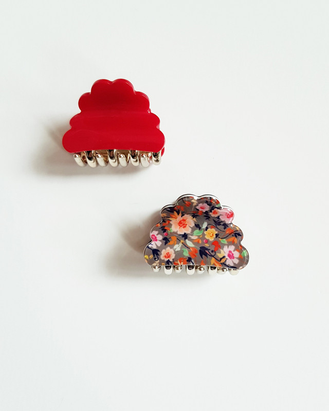 Cuty Cloud Hair Claws Set of 2 in Red on kellinsilver.com