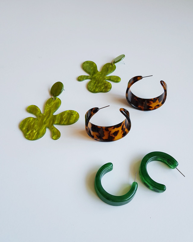 Acrylic Grass Flower Drop Earrings on kellinsilver.com