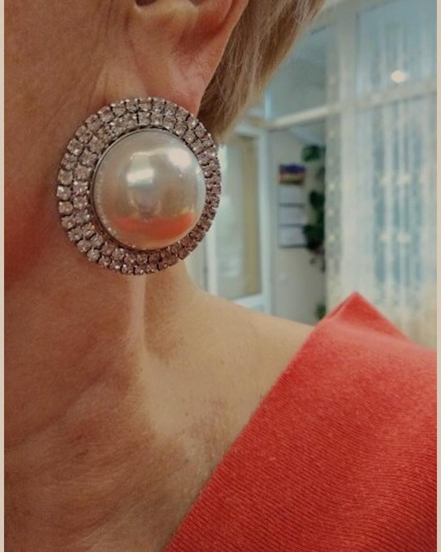Retro Oversize Pearl Stud Earrings on kellinsilver.com