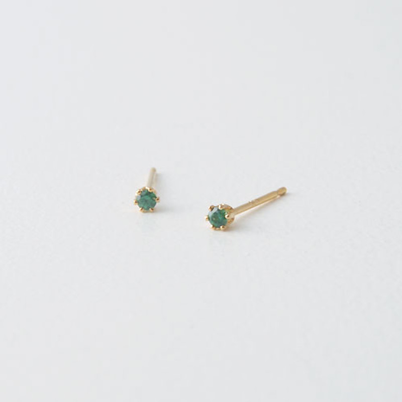 2mm Swarovski Solitaire Studs Gold Six Claw Earrings from kellinsilver.com - emerald