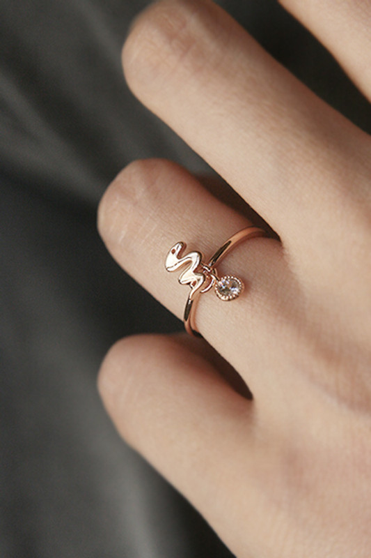 Lucky Charm Snake Ring Rose Gold