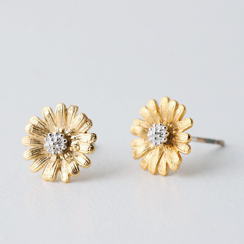 Gold Daisy Stud Earrings