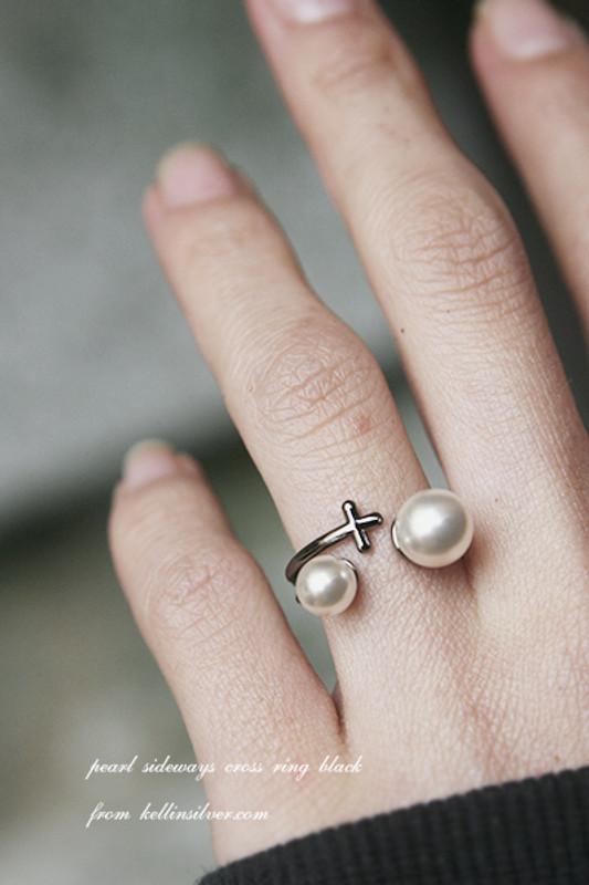 Pearl Black Sideways Cross Ring Black Jewelry from Kellinsilver.com