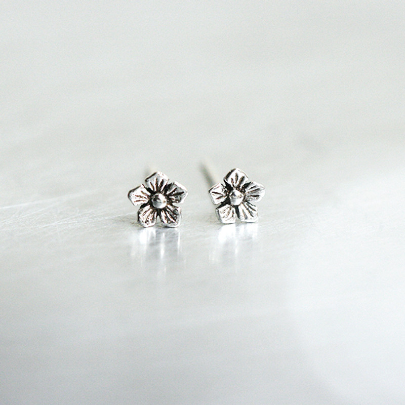 Oxidized Silver Tiny Daisy Earrings Stud from kellinsilver.com