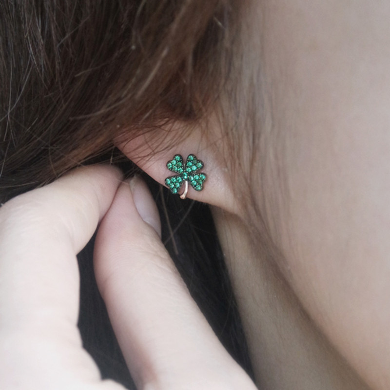 Emerald Green Four Leaf Clover Stud Earrings Rose Gold from kellinsilver.com