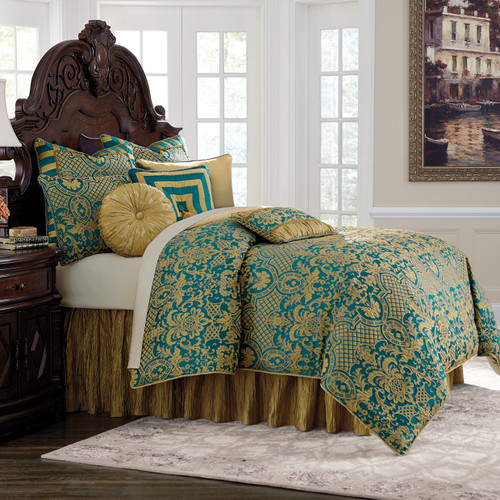 Aristocracy Bedding Set