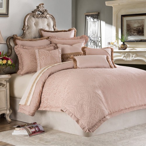 Rouge Bedding