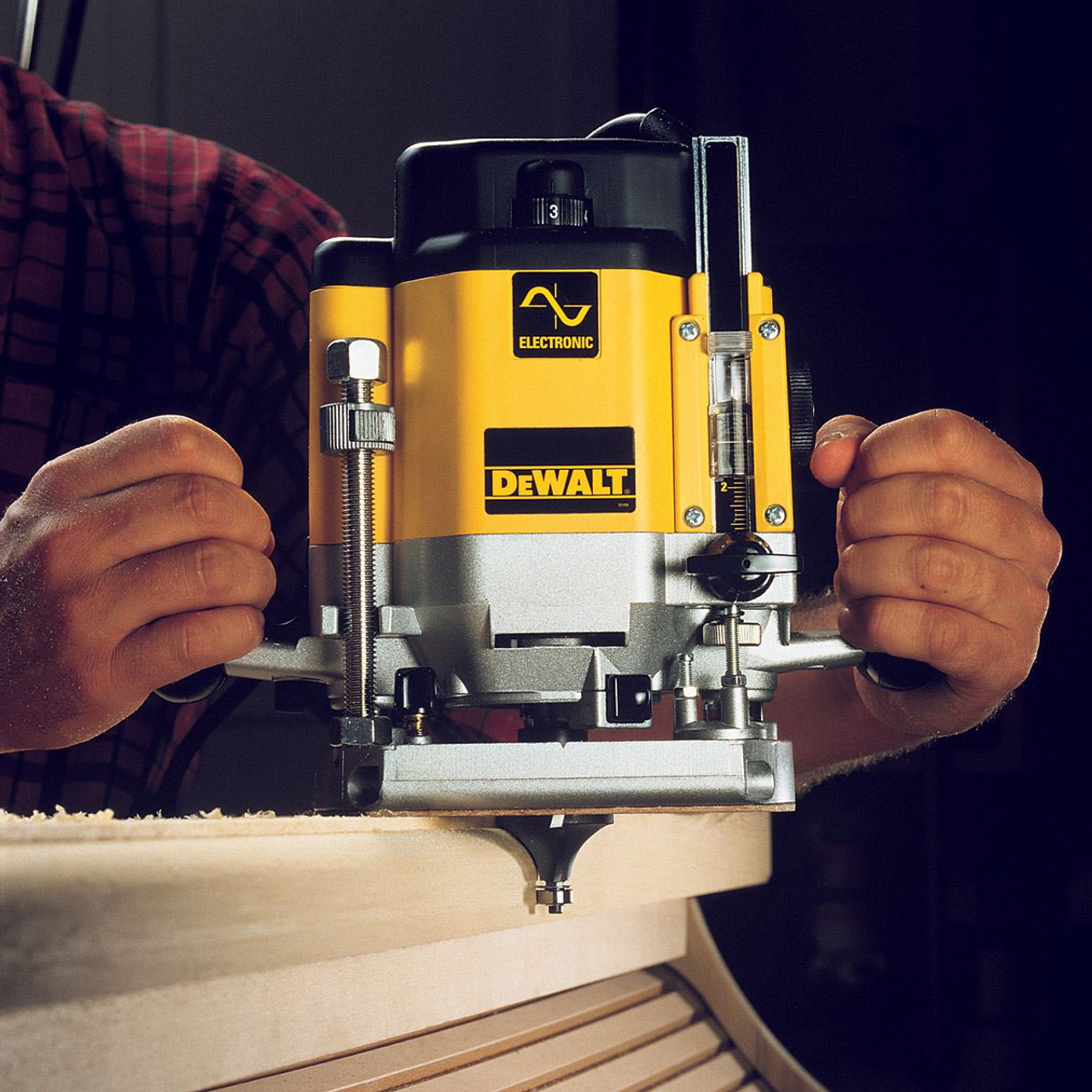 Dewalt DW625EKT 1//2 Inch Variable Speed Plunge Router in TStak Box 110V