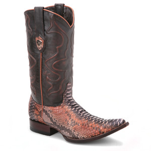 Be prepared to grab compliments, wearing these dual tone black and rustic boots from Wild West. Made of genuine leather and python skin, it has a 3x-toe profile