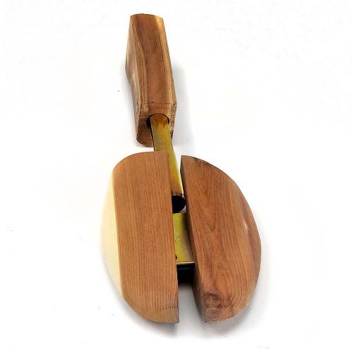 Rochester Cedar Split Toe Shoe Tree