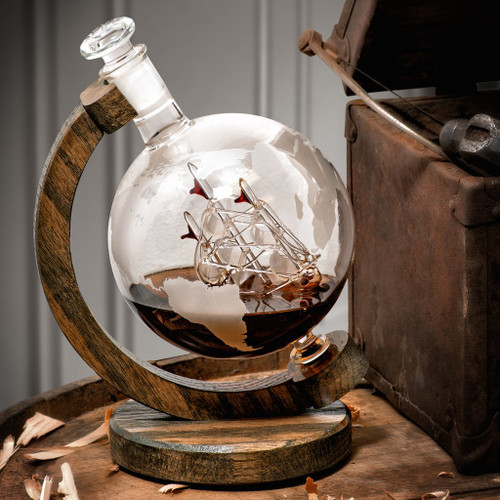 Etched Globe Decanter With Ship Inside - 1000ml (Magellan's Victoria)