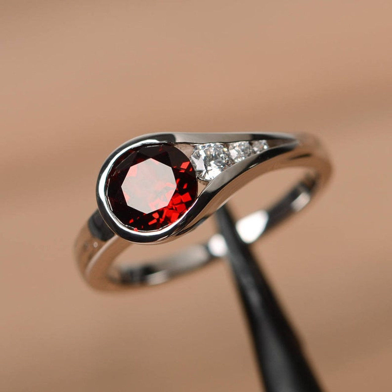 round cut silver engagement ring love gift ring Red garnet ring January birthstone gift ring natural red gemstone ring anniversary gift