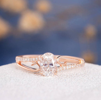 5*7mm Oval Cut Moissanite Flower Retro Bridal Ring