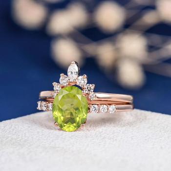 7*9mm Oval Cut Peridot Curved Band Marquise Diamond Bridal Set