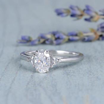 5*7mm Oval Moissanite Engagement White Gold Diamond Wedding Ring